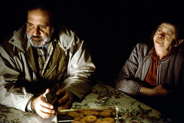 REGARDE-LES-HOMMES-TOMBER-1994-07